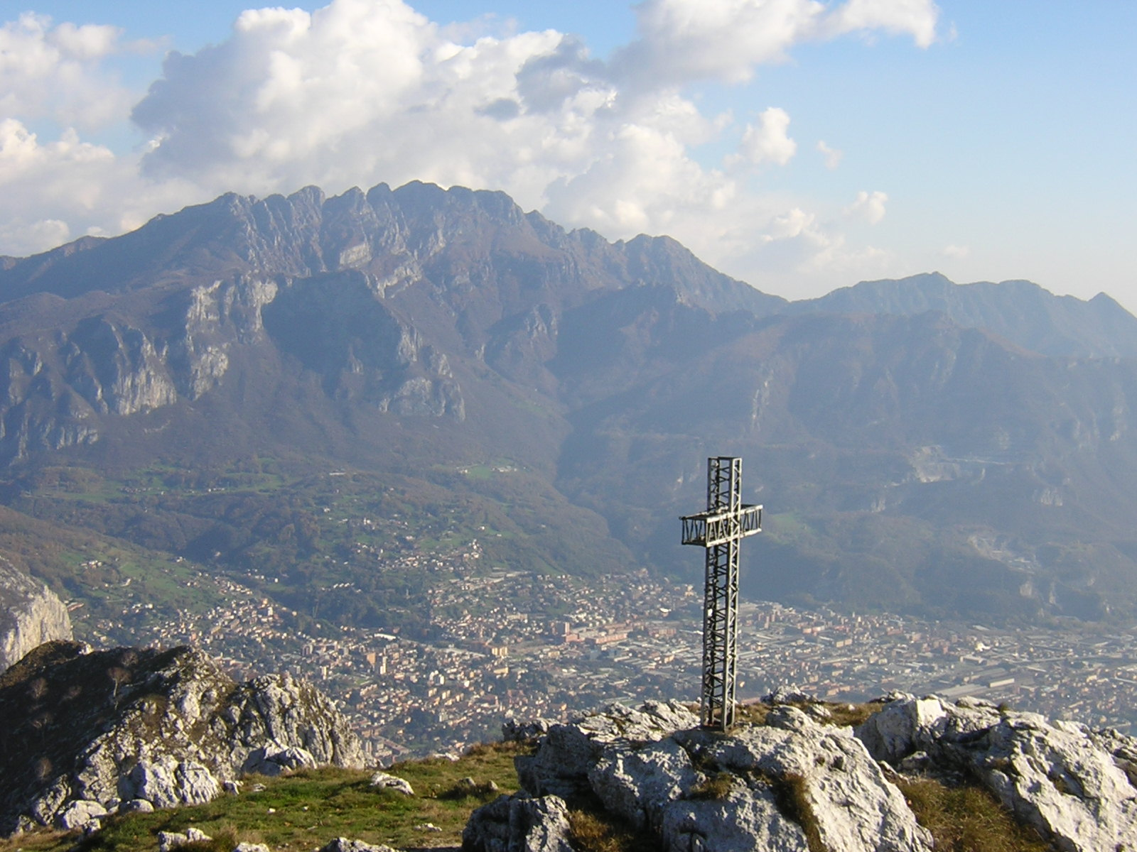 Lecco Italy  city photos : ... .com Welcome to Lecco in the Lake District, Lombardia, Italy