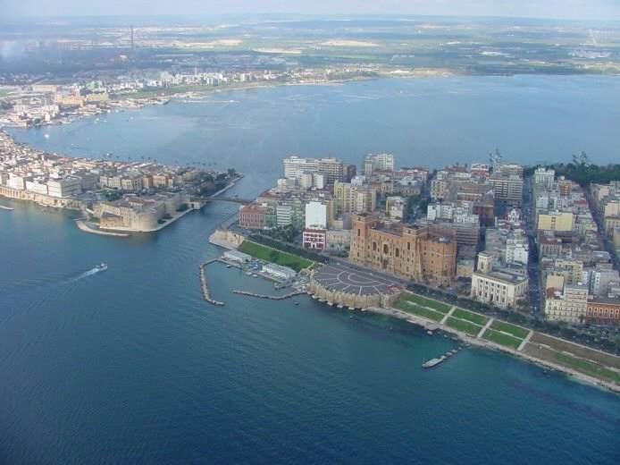 Visitsitaly Com Puglia Apulia Region Pictures Of Taranto