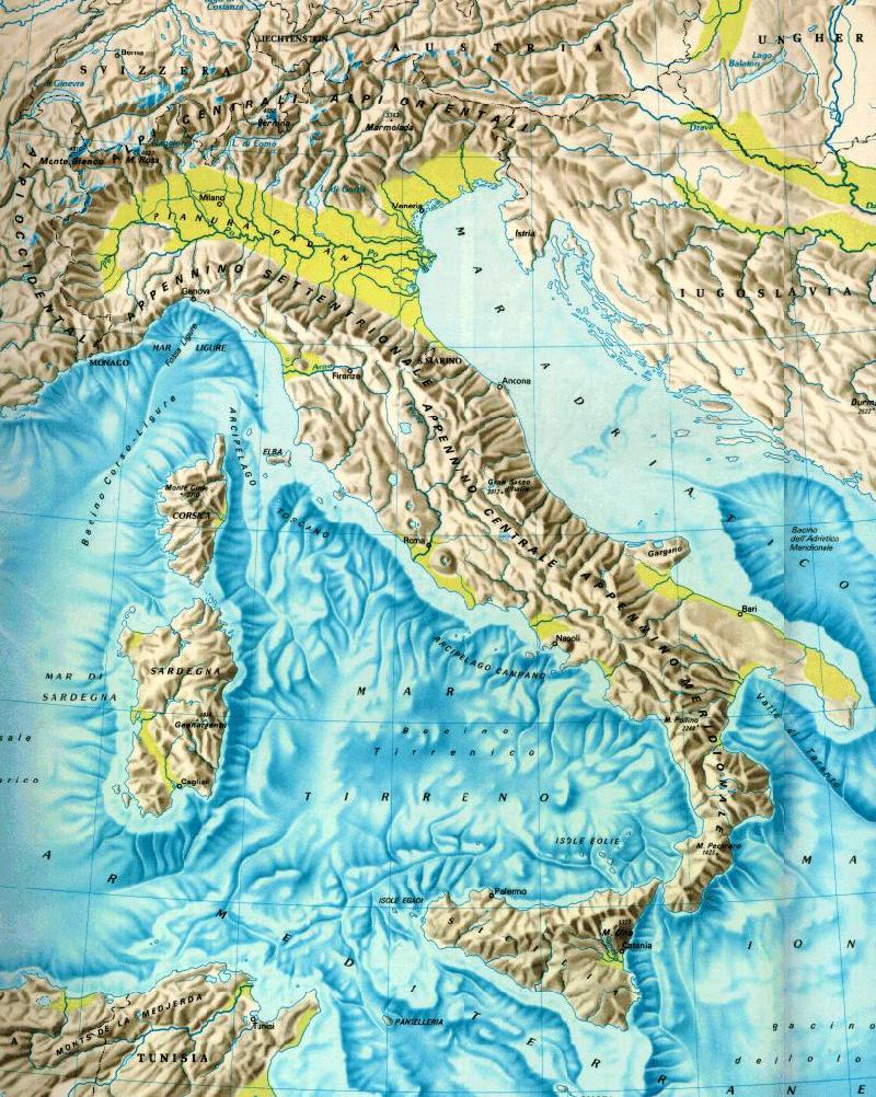 geography politics and climate of florence itlay Italy, a peninsula surrounded by the adriatic, ionian, tyrrhenian and ligurian seas, has a varied geographic makeup of mountains, volcanoes and rivers italy also has its own islands, including sicily and sardinia these islands associate with two other major bodies of water that surround the.