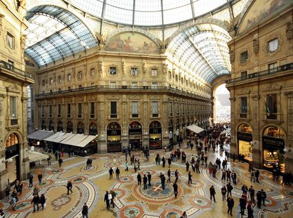 Visits and Trips - Italy - Milan - FOXTOWN OUTLET- shopping tour