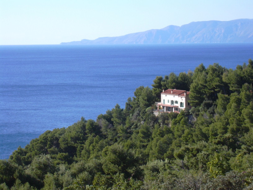 Rent a villa in Maratea on the beach