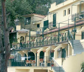 VisitsItaly.com - Welcome to the Hotel Residence Le Terrazze ...