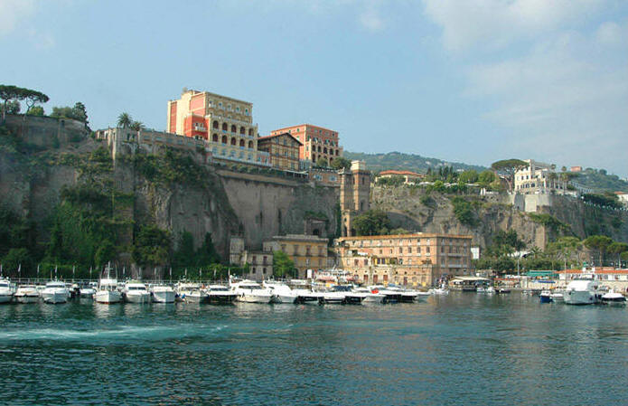 villa maria singles Flavours holidays is a specialist atol bonded tour operator offering cooking, painting, pilates, language & photography holidays in italy with no single supplement.