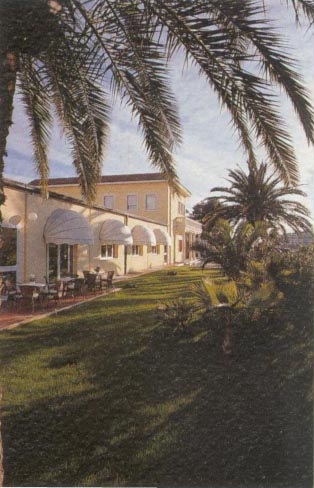 Visitsitaly Com Welcome To The Hotel Villa Duse In Gioia