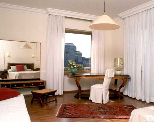 Visitsitaly Com Welcome To The Hotel Lancelot Rome And
