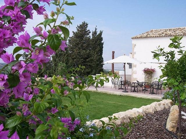 Welcome To The Hotel Corte Del Sole Noto Marin Sicily Italy