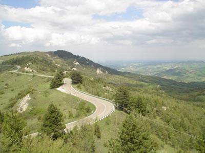moto-tuscan_roads.jpg