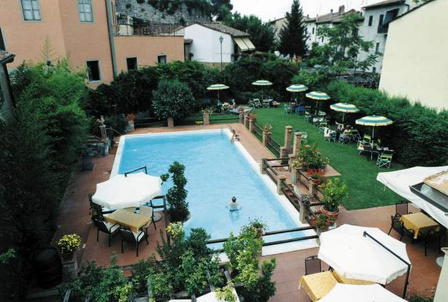 VisitsItaly.com - Tuscany - Villas, houses and apartments to rent in Greve in Chianti