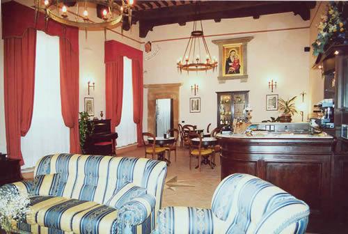 Tuscany villas houses and apartments for Meuble il riccio