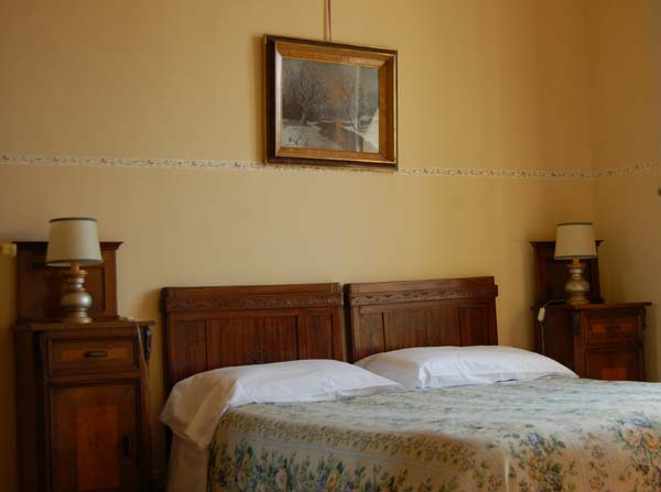 singles in cavour Turin is an important hub of  was supposedly a favorite of famous italian politician camillio benso di cavour  (savoyard city) singles, doubles, and suites.