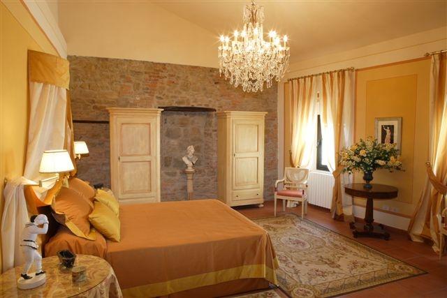 Park Of Pinocchio 20 Km Viareggio 58 Pistoia 15 Siena 87 Volterra 85 San Gimignano 103 Le Cinque Terre Liguria